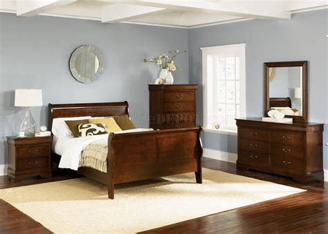 Whiskey Finish Louis Philippe Sleigh Bed w/Optional Case Goods