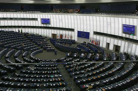File:Hemicycle of Louise Weiss building of the European