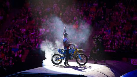 Nitro Circus   Crazy Pics and Video From the Brand-New