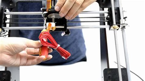 21 Mount the extruder--Geeetech Prusa I3 Pro W DIY 3D