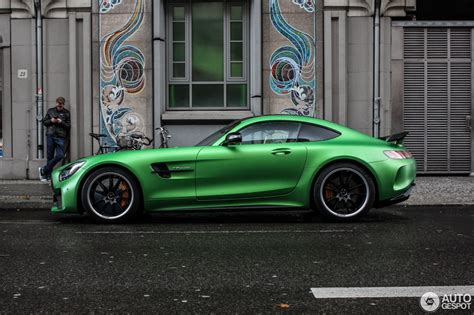 2017 Mercedes-AMG GT R Spotted Flaunting Its AMG Green